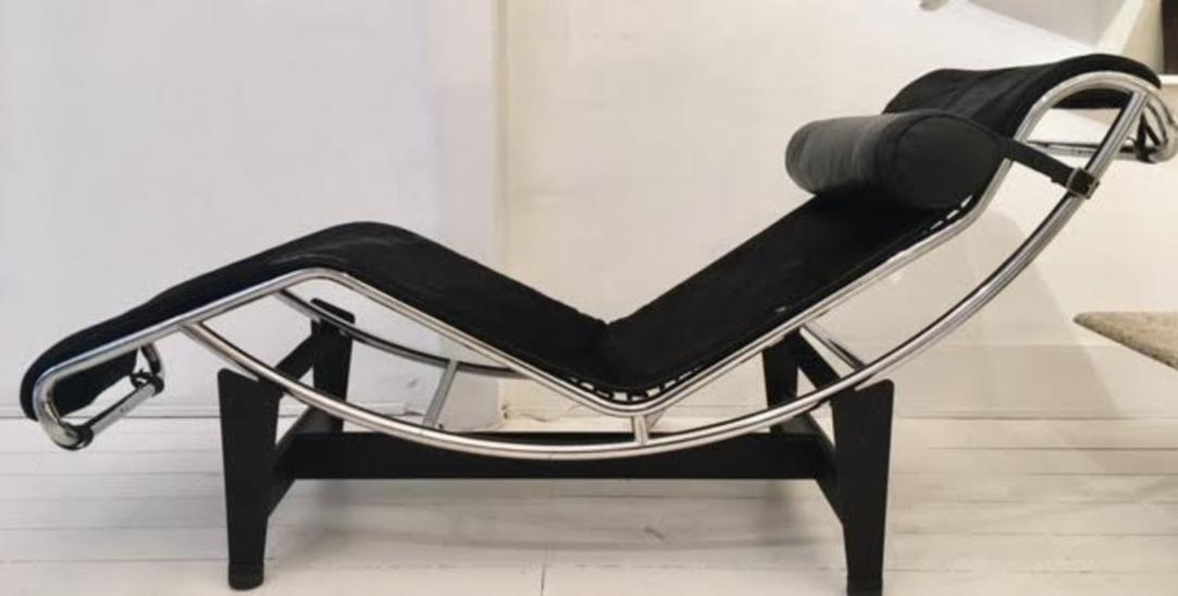 Lounge chair model LC4 by Charlotte Perriand, Le Corbusier et Pierre Jeanneret pour Cassina