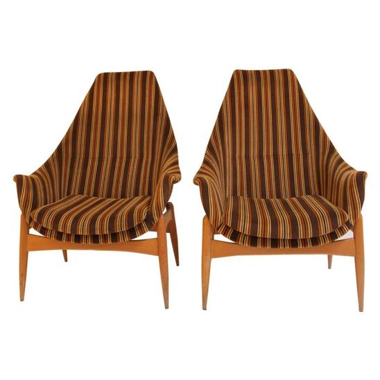 Pair of armchairs by Julia Gaubeck - Original upholstery - Hungary c.1970