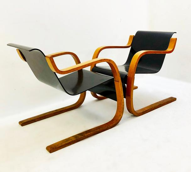 Pair of Chairs Model 31 in Birch Wood by Alvar Aalto, Finland circa 1930's
